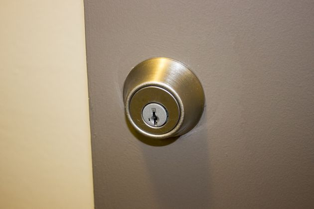 remove schlage door knob photo - 15