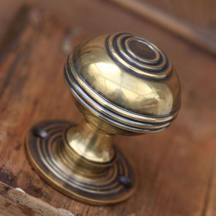 removing old door knobs photo - 11