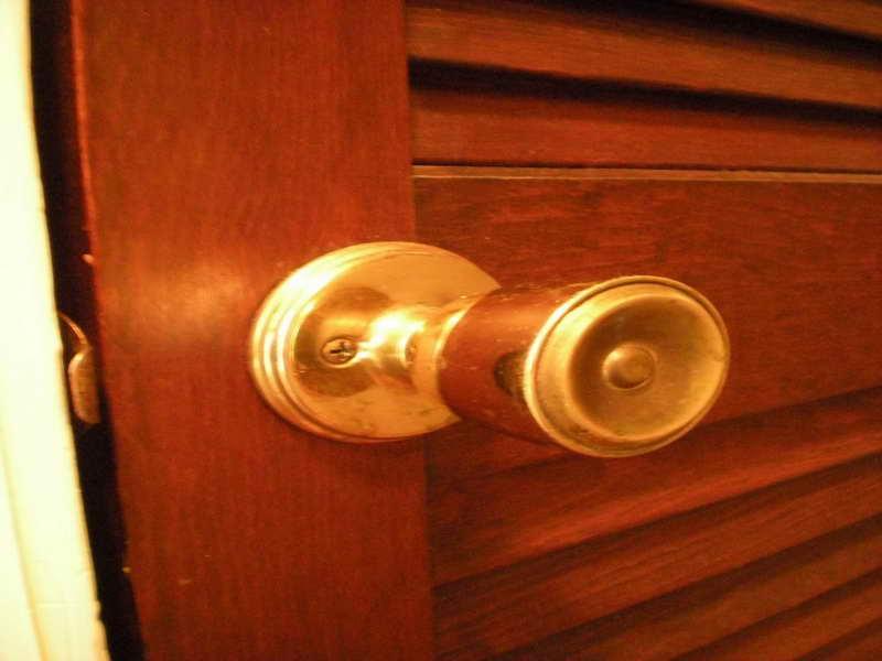 repair door knob photo - 9