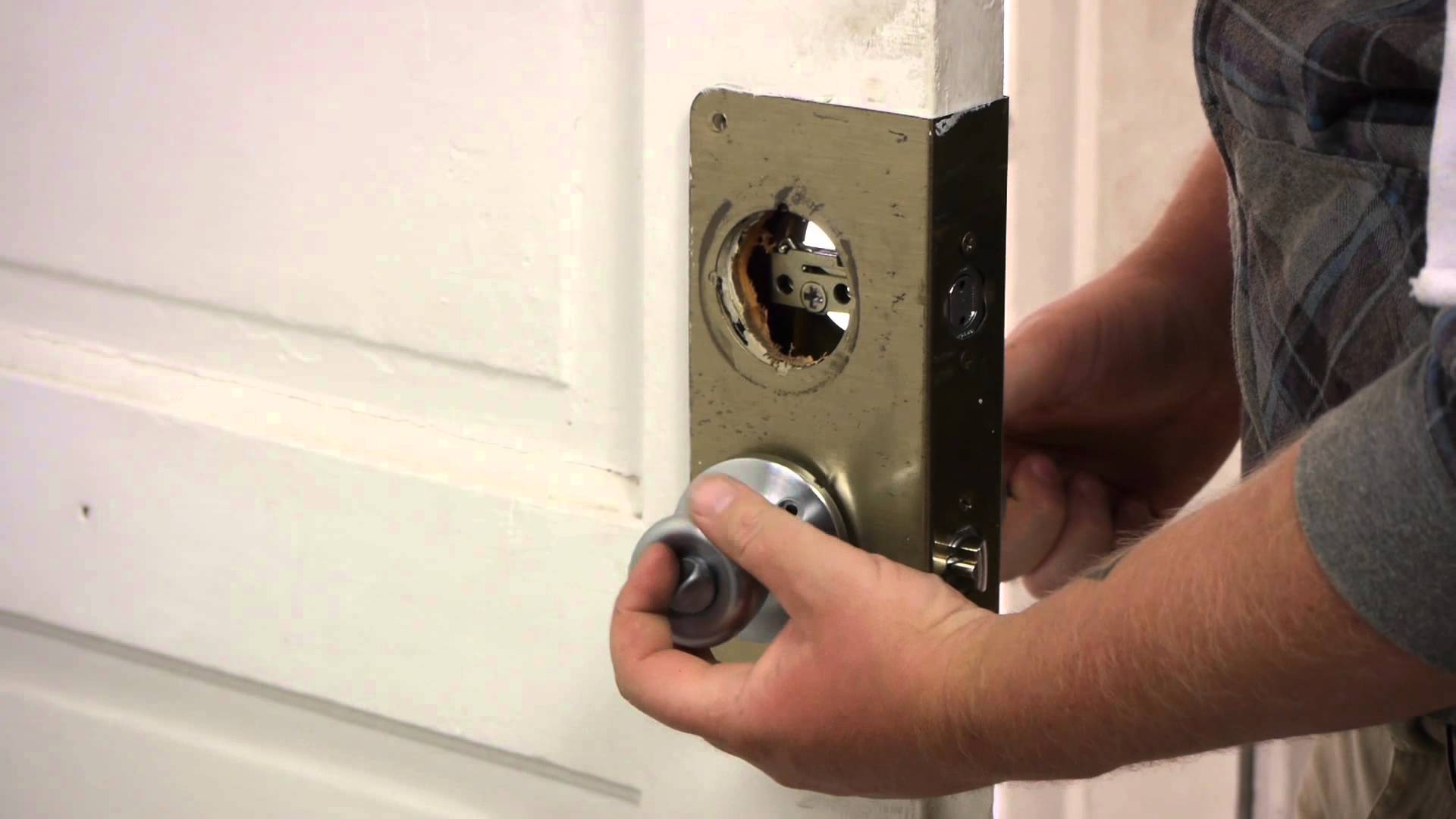replace door knob with deadbolt photo - 19