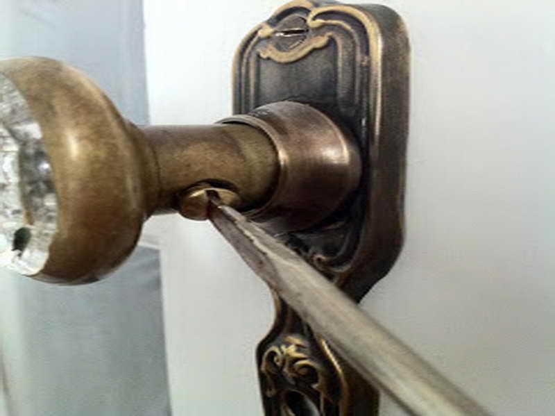 replace interior door knob photo - 6
