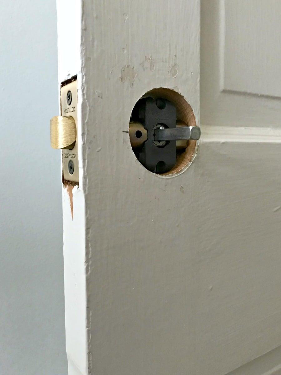 replace old door knob photo - 12