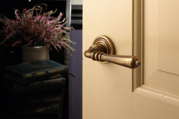 replacing door knob photo - 14