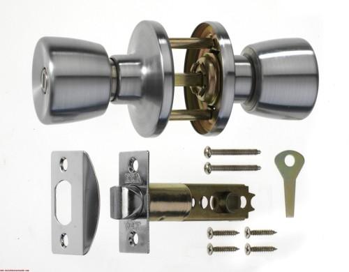 replacing door knobs and locks photo - 13