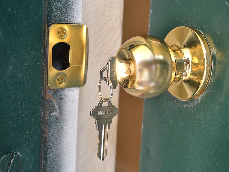 replacing door knobs and locks photo - 14