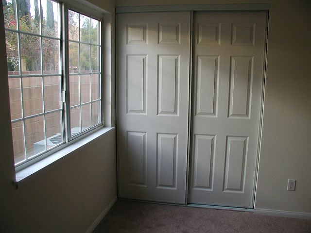 replacing interior door knobs photo - 12