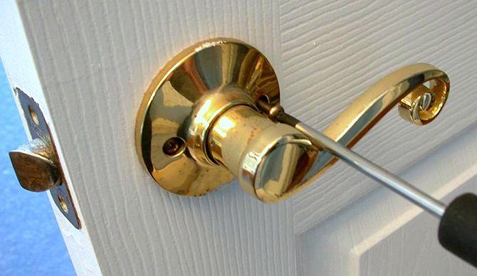 replacing old door knobs photo - 6