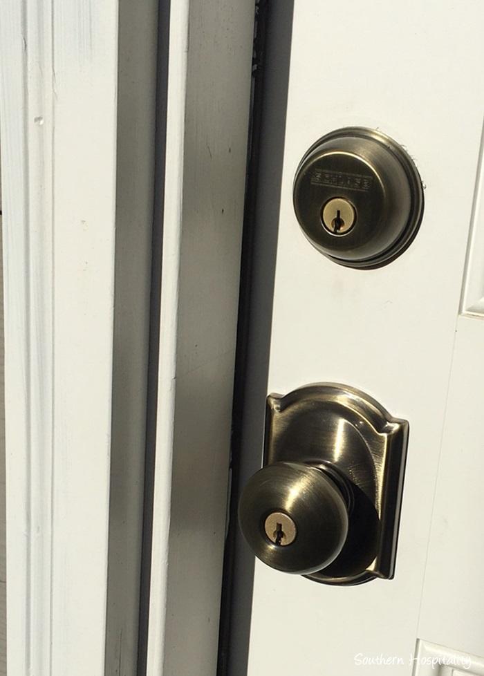 schlage door knob installation photo - 2
