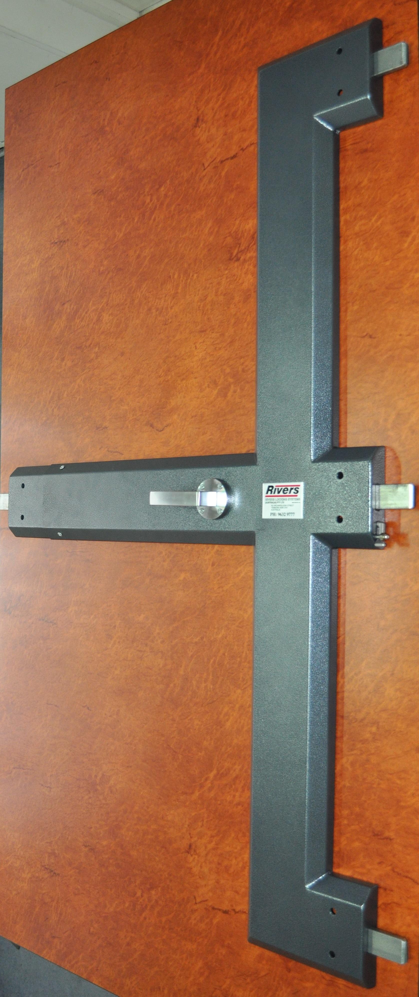 self locking door knobs photo - 14