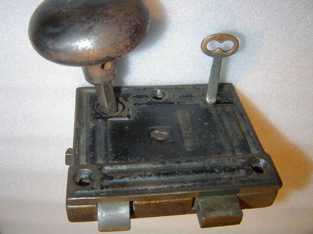 skeleton key door knob photo - 16