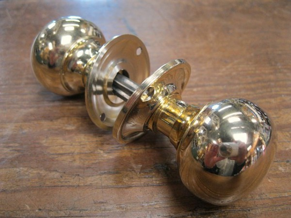 small brass door knobs photo - 5
