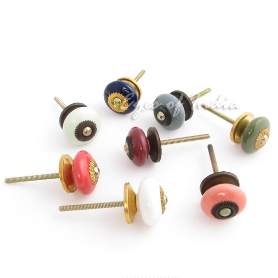 small door knobs and handles photo - 13