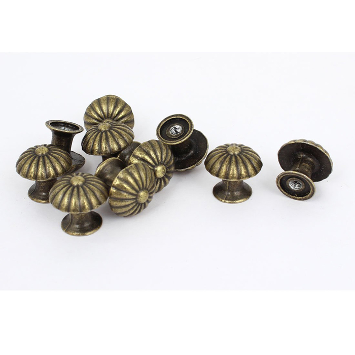 small door knobs and handles photo - 17