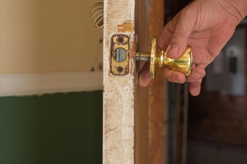 take off door knob photo - 5