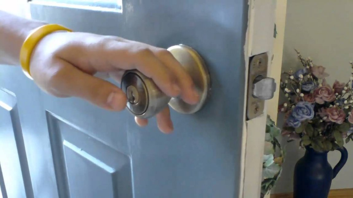 unlock door knob without key photo - 8