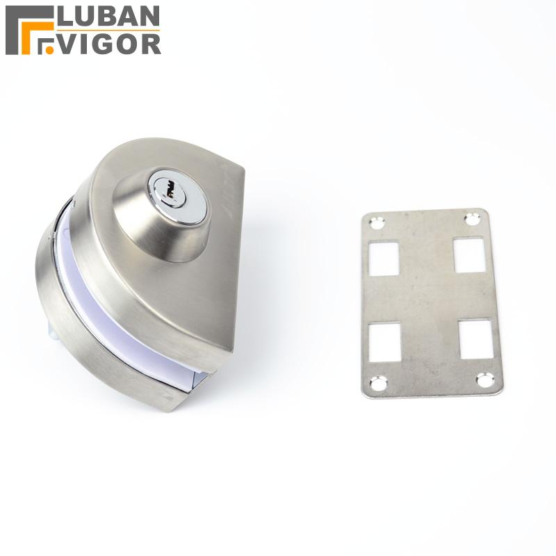 unlocking door knob with hole photo - 11