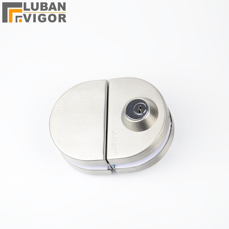 unlocking door knob with hole photo - 13