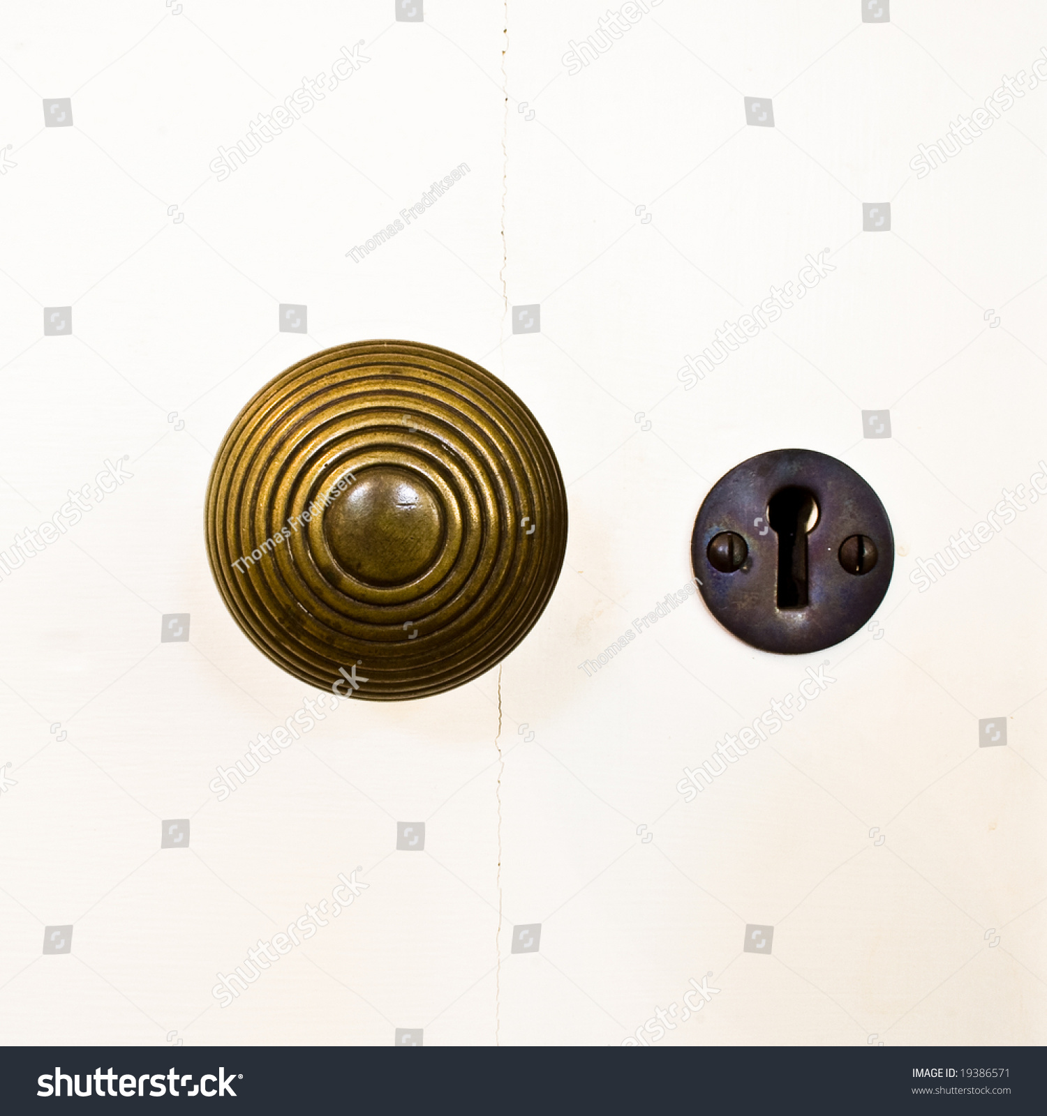 unlocking door knob with hole photo - 20