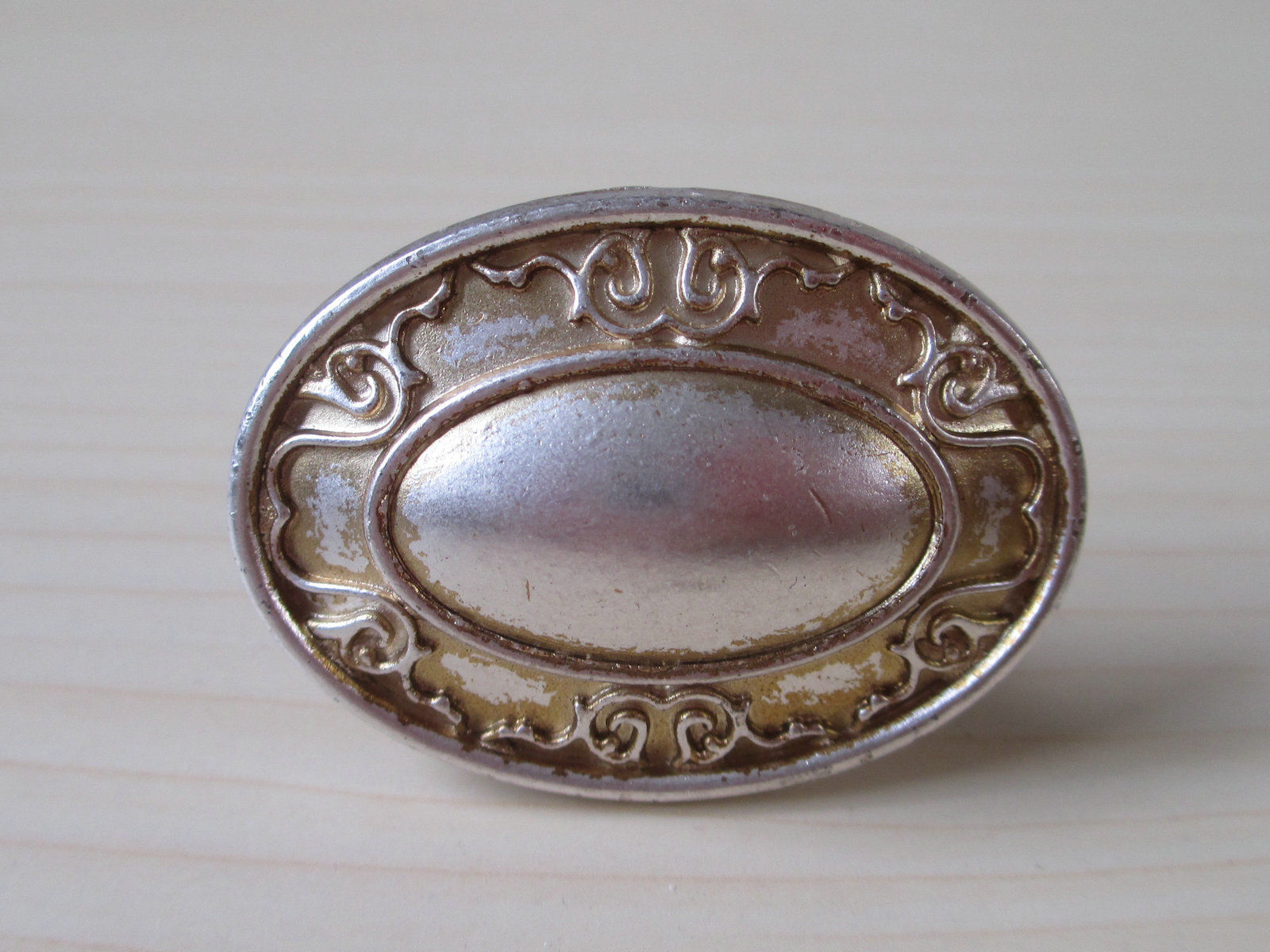 vintage cupboard door knobs photo - 5