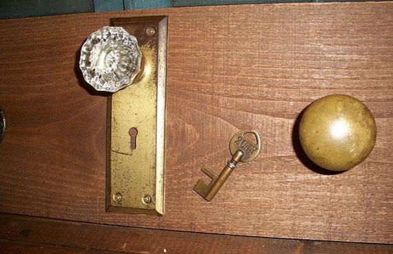 vintage door knob coat rack photo - 5