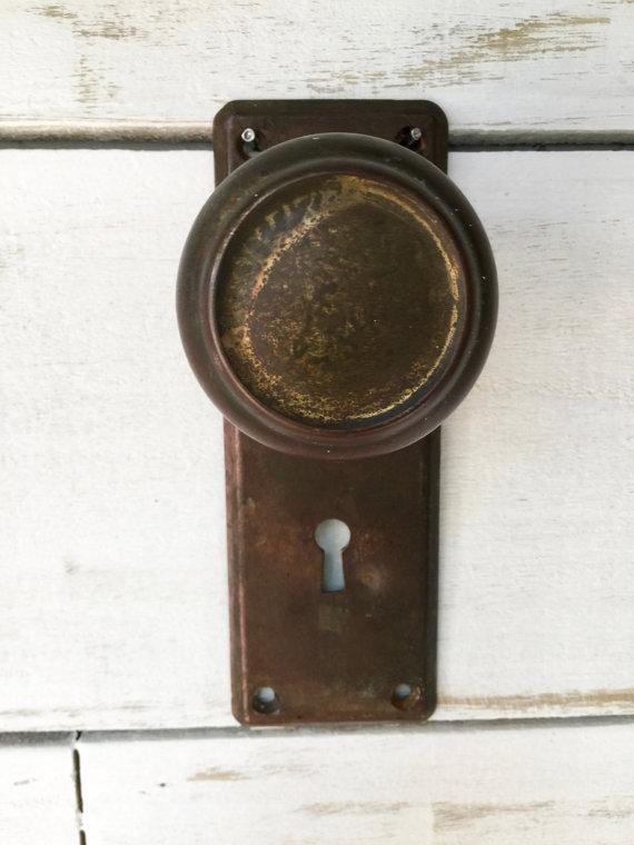 vintage door knob hooks photo - 12