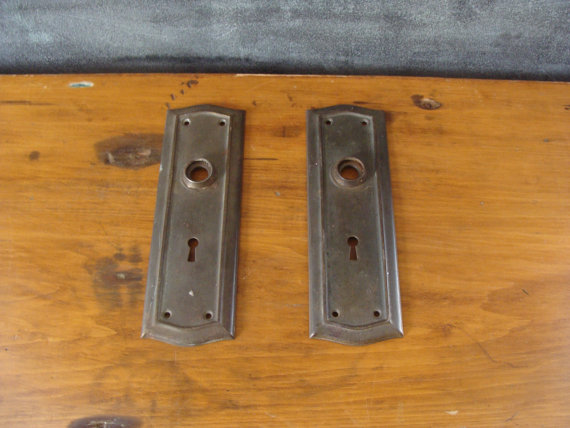 vintage door knob plates photo - 12