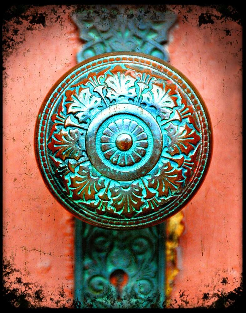vintage door knobs photo - 10