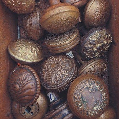 vintage door knobs photo - 15