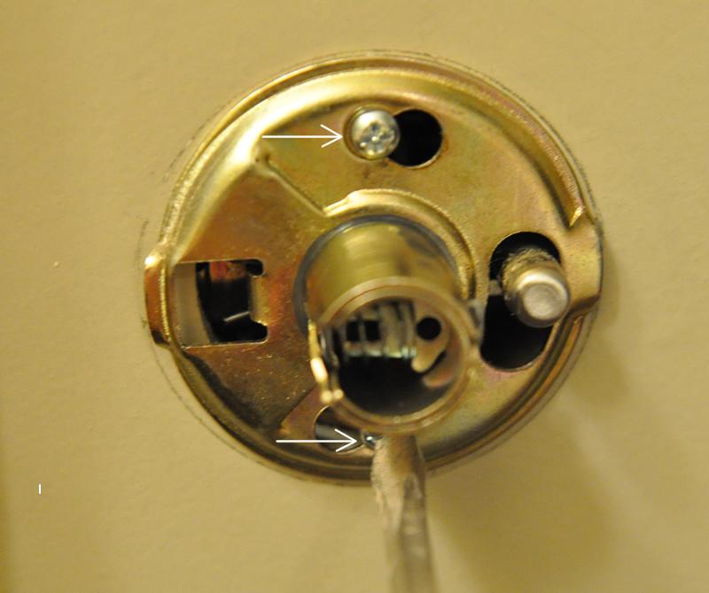 weslock door knob removal photo - 3