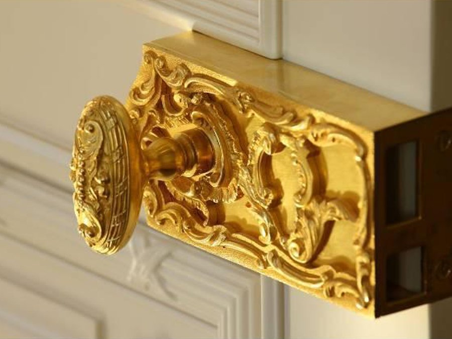 what are door knobs made of photo - 16