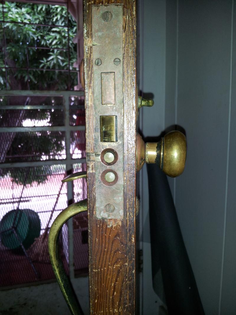 where to buy old door knobs photo - 1