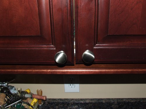 where to put knobs on cabinet doors photo - 4