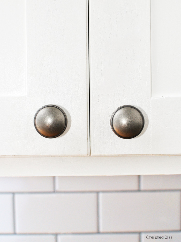 where to put knobs on cabinet doors photo - 7