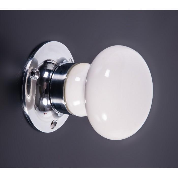 white ceramic door knobs photo - 15