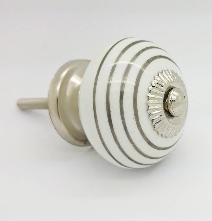 white door knob photo - 15