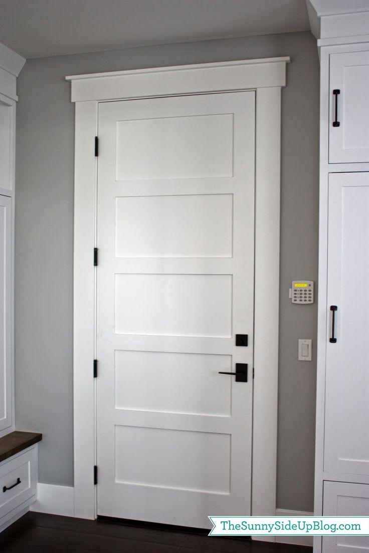 white door knobs photo - 12