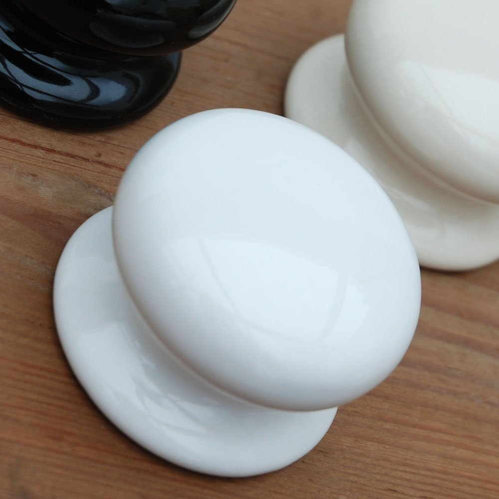 white door knobs photo - 18