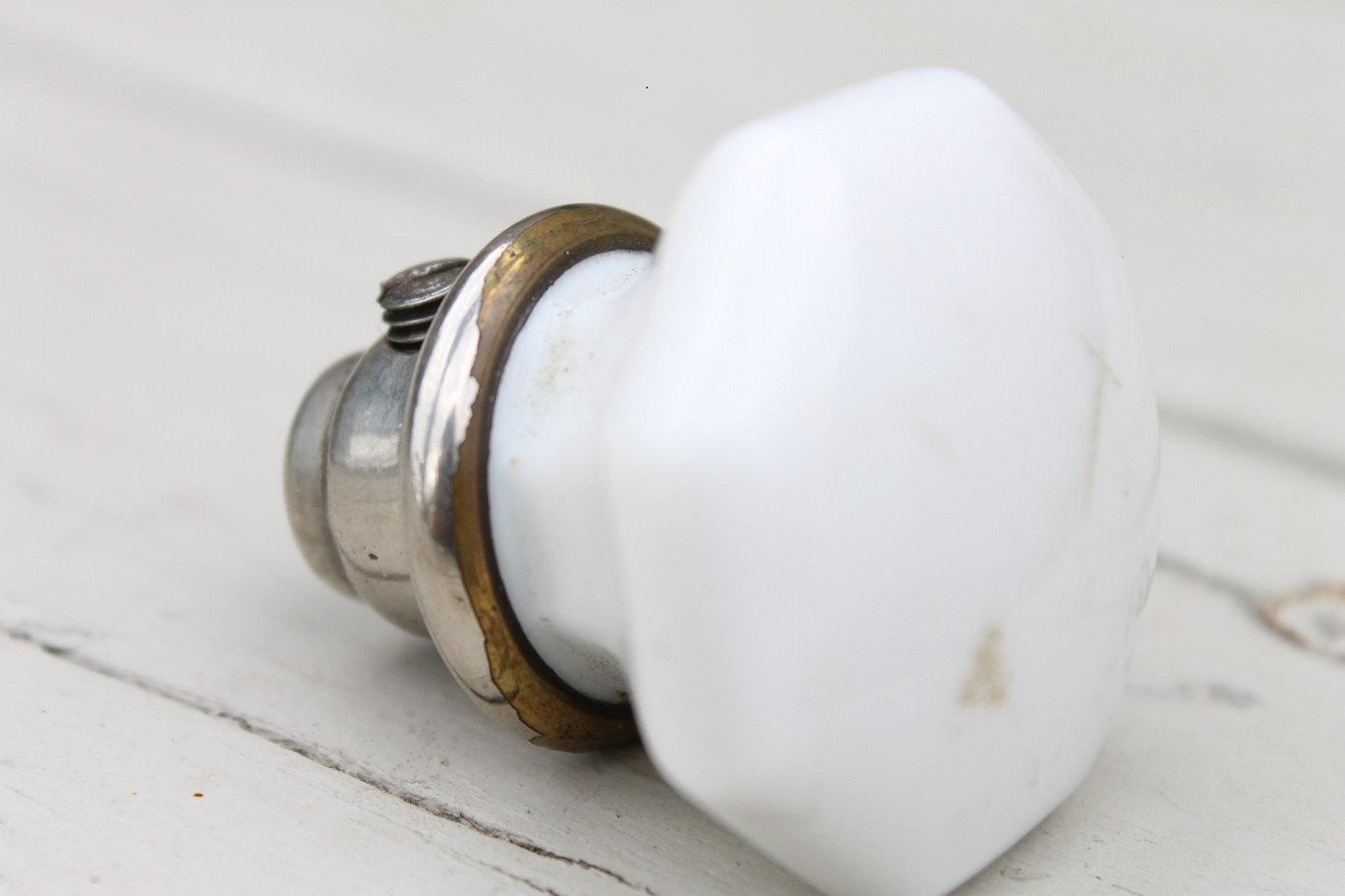 white porcelain door knobs photo - 11