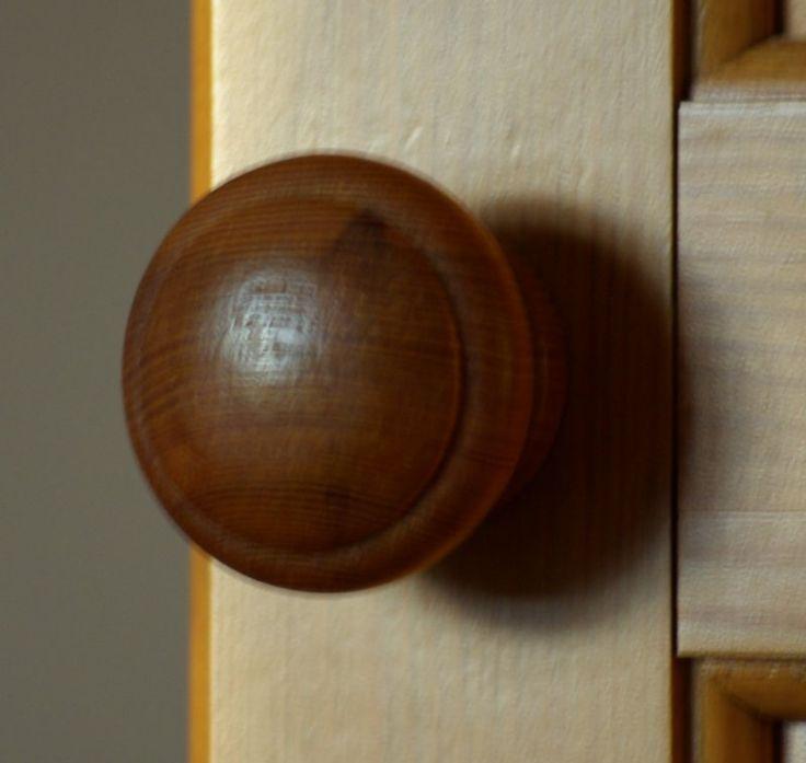 wooden door knob photo - 8